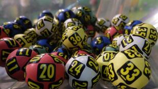 A lottó csak pénzpazarlás, mondta, majd nyert 283 milliót