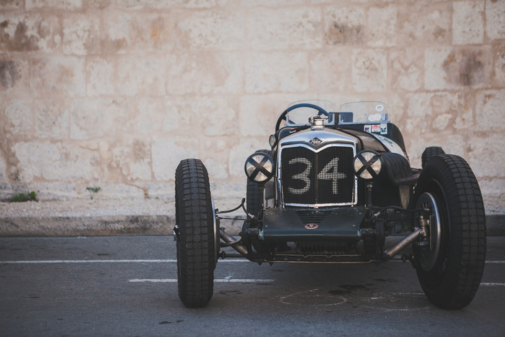 Joseph Huber 1934-es Riley TT Sprite-ja