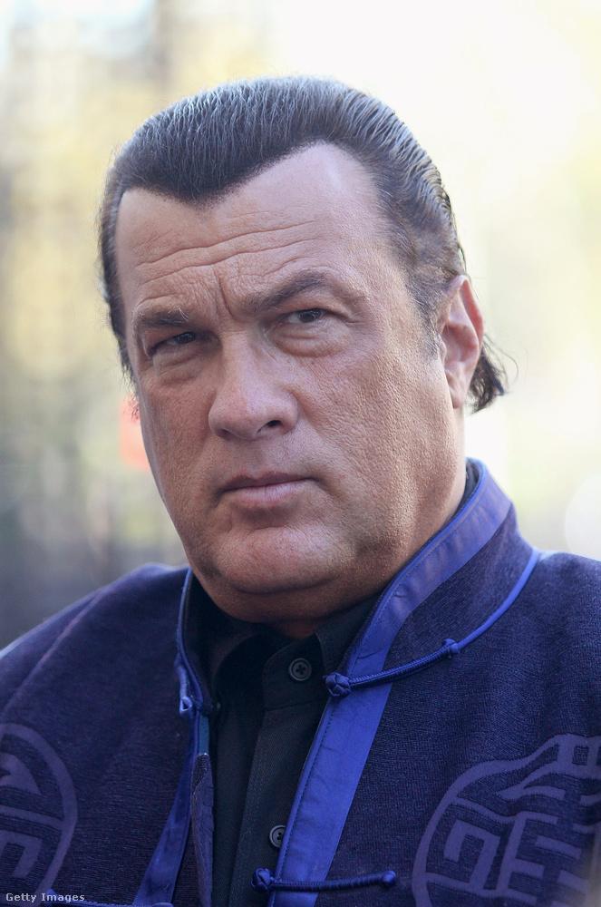 Úgyhogy maradt a harcművészkedésnél, illetve rendszeresen vendégeskedett orosz tévéműsorokban.