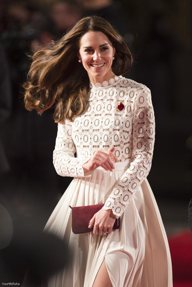 Katalin hercegnének is jár a szórakozás, szóval október 3-án el is ment a Street Cat Named Bob című film bemutatójára.