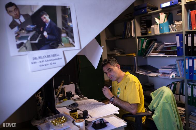 Van egy sorozat a Velveten, amiben egy budapesti ember egy napját követem végig