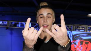 Justin Bieber négy modellel vacsorázott, egy utána is vele maradt