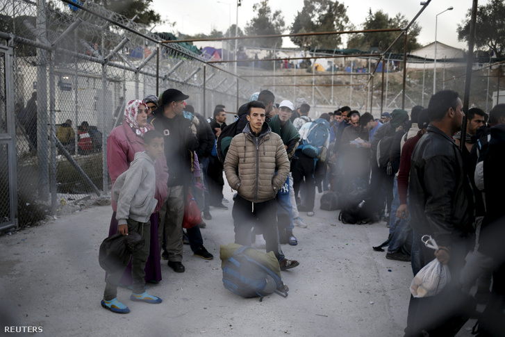 Menekültek Leszbosz szigetén 2016 novemberében