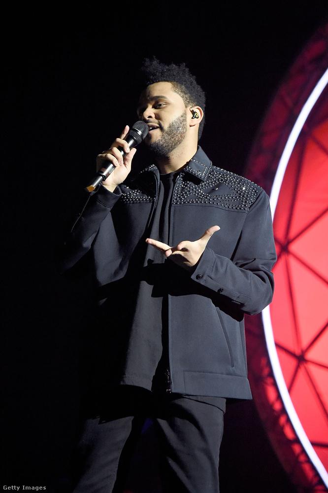 A The Weeknd a Duftpunkkal közös klipjéért, a Starboyért kapott szobrot