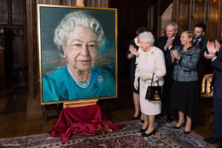 Semmilyen különleges esemény nem volt, amire ezt a TÚL NAGY festményt kaphatta volna...