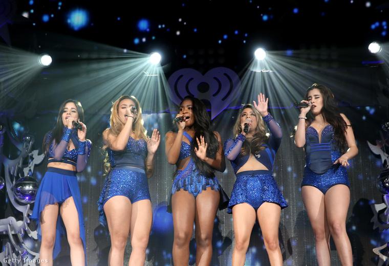 Legújabb zenéjük például a briteknél akkorát ment, hogy egyből a megjelenést követően első lett a TOP40-es zenei listákon