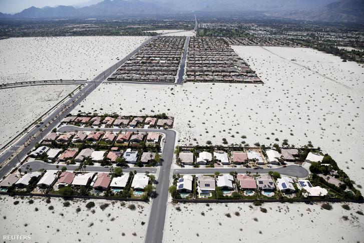 760 liter vizet használ fejenként egy átlagos háztartás a sivatagos Palm Springsben naponta. Elképesztő ez a szám, duplája még az amerikai átlagfogyasztásnak is.