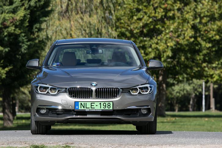 Innen nézve BMW, hol a csalás?
