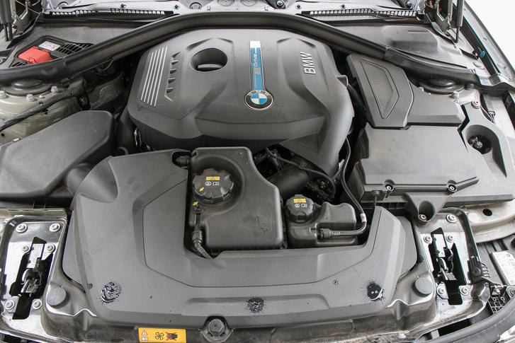 A kétliteres motor 184 lóerővel járul hozzá a 252-höz