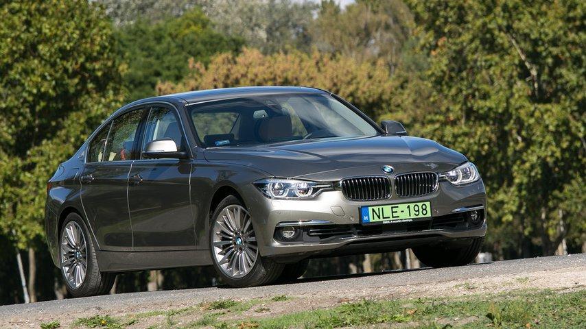 A képen a BMW 330e plug-in hibrid látható
