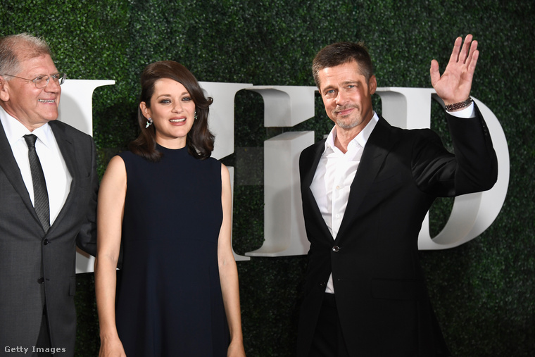 Brad Pitt először mutatkozott azóta, hogy Angelina Jolie beadta a válókeresetet
