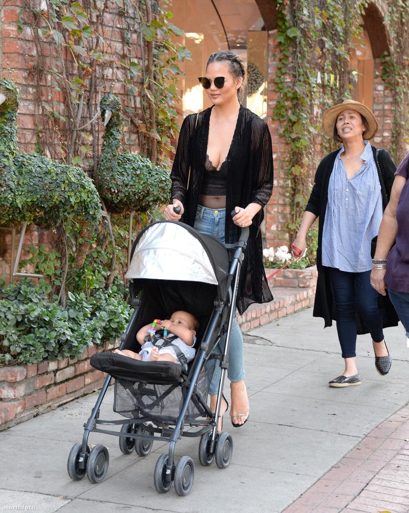 Chrissy Teigen nagyon divatos anyuka!Jó, hát modell, így ezen nincs mit meglepődni