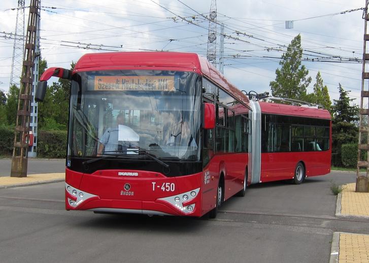 A hazai ipar is tud jó autóbuszokat gyártani. A szegedi trolibuszok is ilyenek lennének, de a fővárosnak nem kellettek