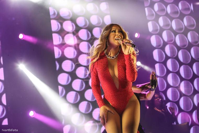 Mariah Carey és dekoltázsa