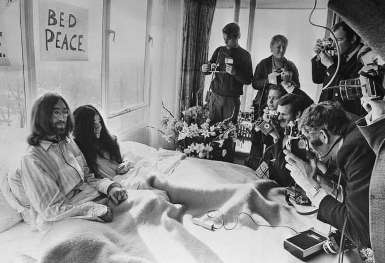 A rocktörténelem leghíresebb szerelmespárja ettől a pillanattól kezdve megosztotta a nagyközönséget: sokak számára ők voltak az álompár, mások szerint viszont egyáltalán nem illettek össze