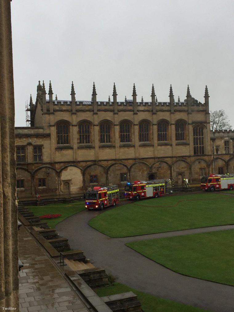 A tűzoltók nagy erőkkel vonultak a helyszínre