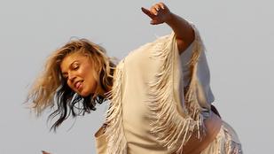 Fergie alá szórtak egy kis homokot, hadd táncoljon