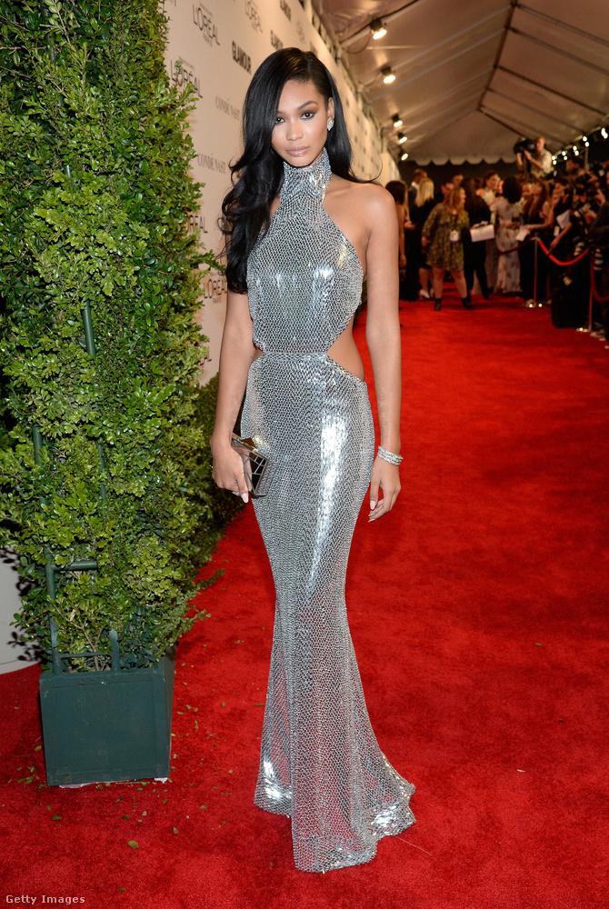 A képen Chanel Iman látható, és ez az elképesztően csillogó ruha azért áll neki ilyen jól, mert a foglalkozása modell