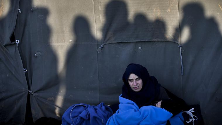 Itt a bevándorlási különadó: a támogatások negyedét kérik