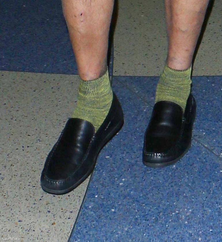 A zöld zoknija pedig elsőrangú