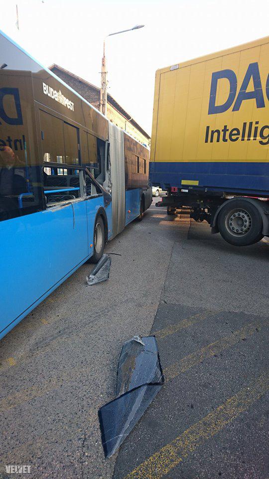 busz és kamion karambol