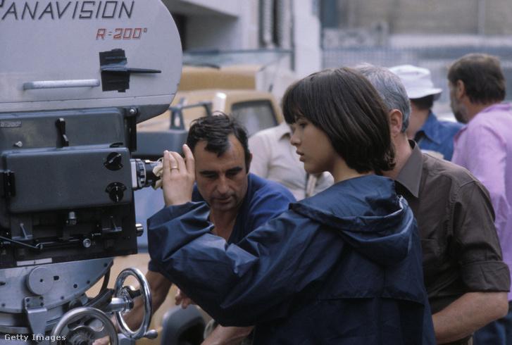 Sophie Marceau lés Claude Pinoteau 1980-ban, A házibuli című forgatásán