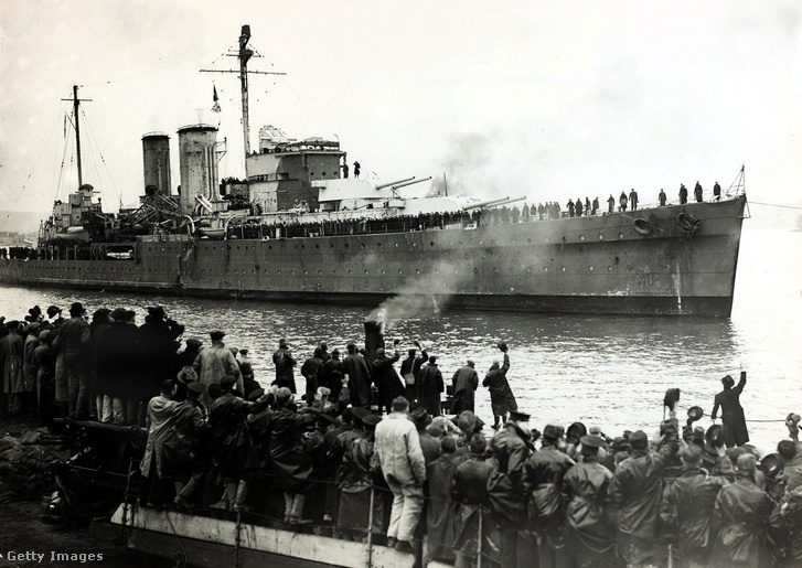 A HMS Exeter 1940-ben
