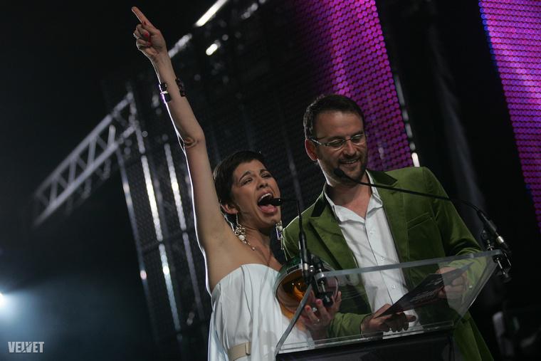 Az időközben csatornát váltott Ördög Nóra és Nánási Pál 2011-ben még díjat adtak át