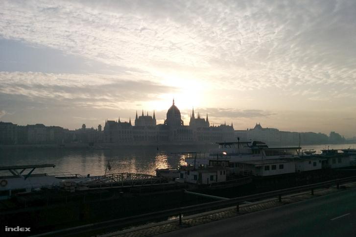 Szép reggelre ébredtünk ma