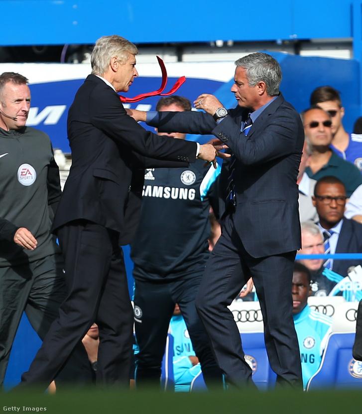 Wenger és Mourinho hírhedt összecsapás a pálya szélén
