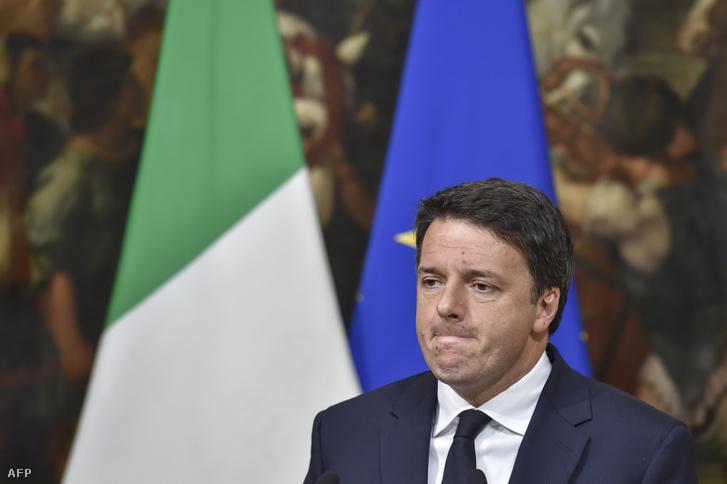 Matteo Renzi a november 18-án tartott száznapos kormányértékelő sajtótájékoztatóján