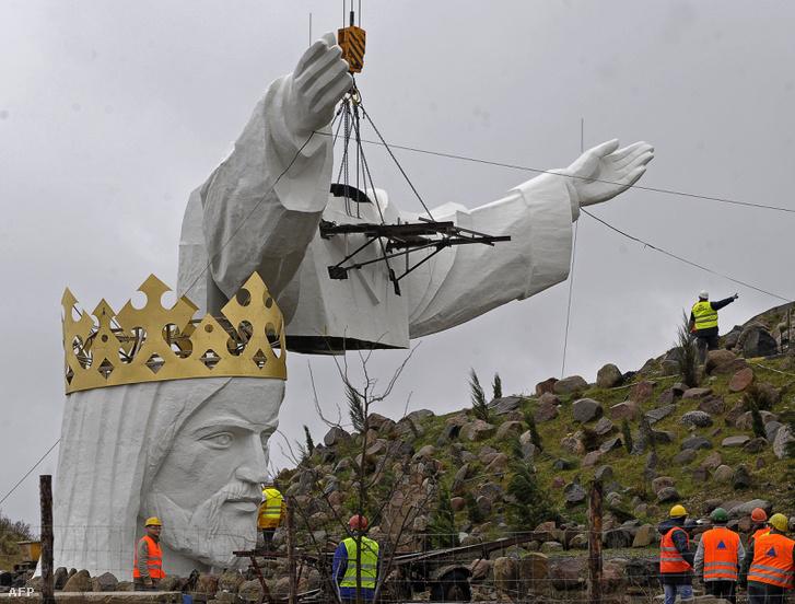 A 2010.ben épített legmagasabb Krisztus-szobor.