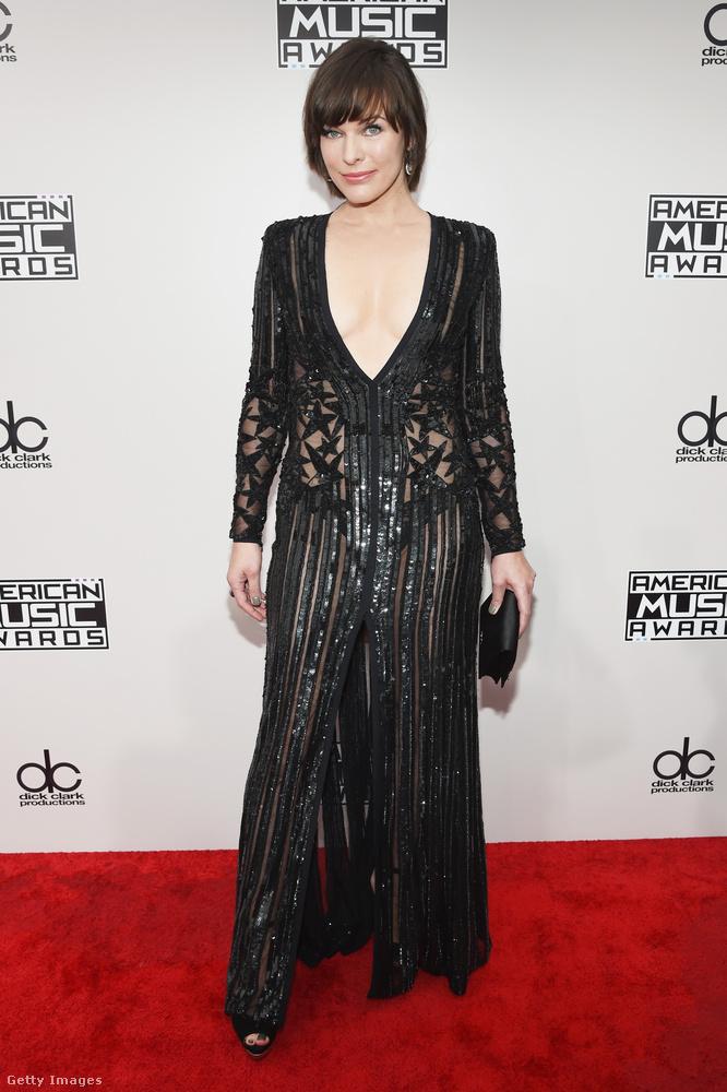 Milla Jovovich ki is van vágva, át is van lyuggatva, fel is van sliccelve