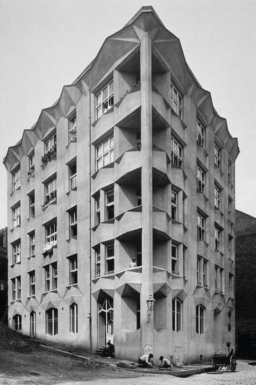 "Prága, Neklanova 30, ""Hodek-ház"", Josef Chochol, 1912—1914"