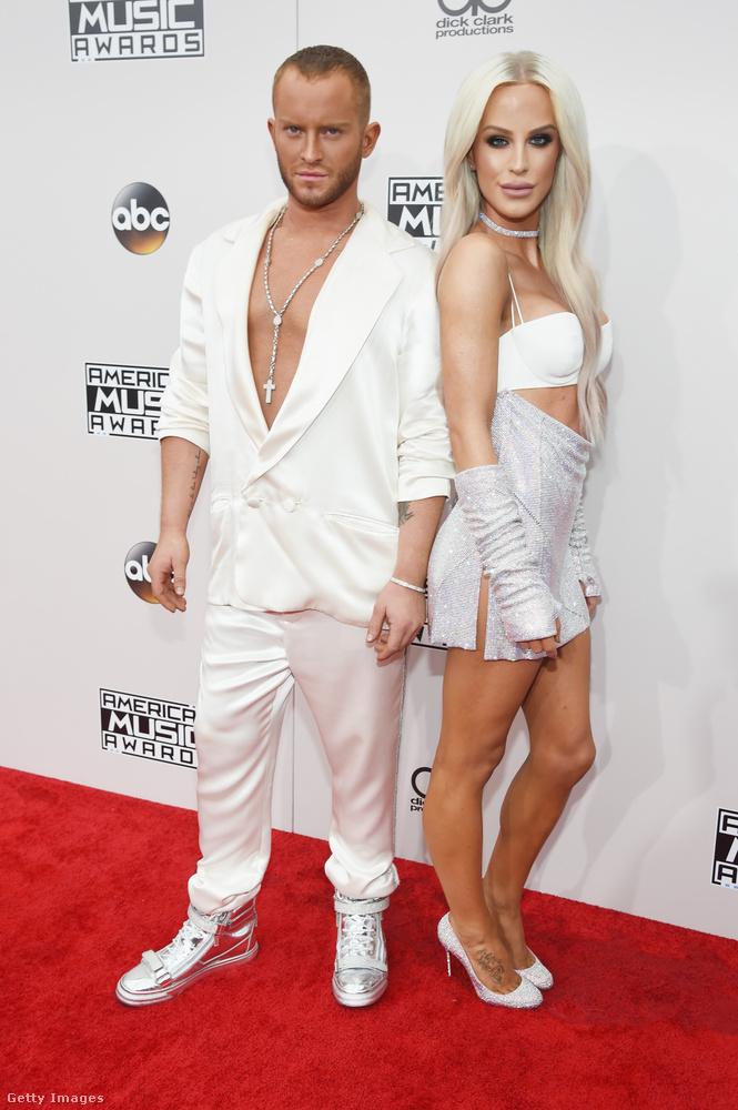 A jobb oldalon Gigi Gorgeous látható, akinek a vezetékneve azt jelenti, hogy gyönyörű