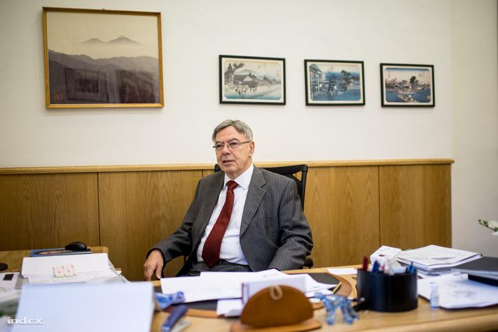 Dr. Lantos Mihály