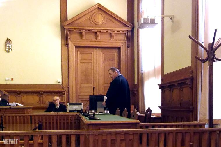 A kirendelt védő enyhítésért fellebbezett az ítélet után.