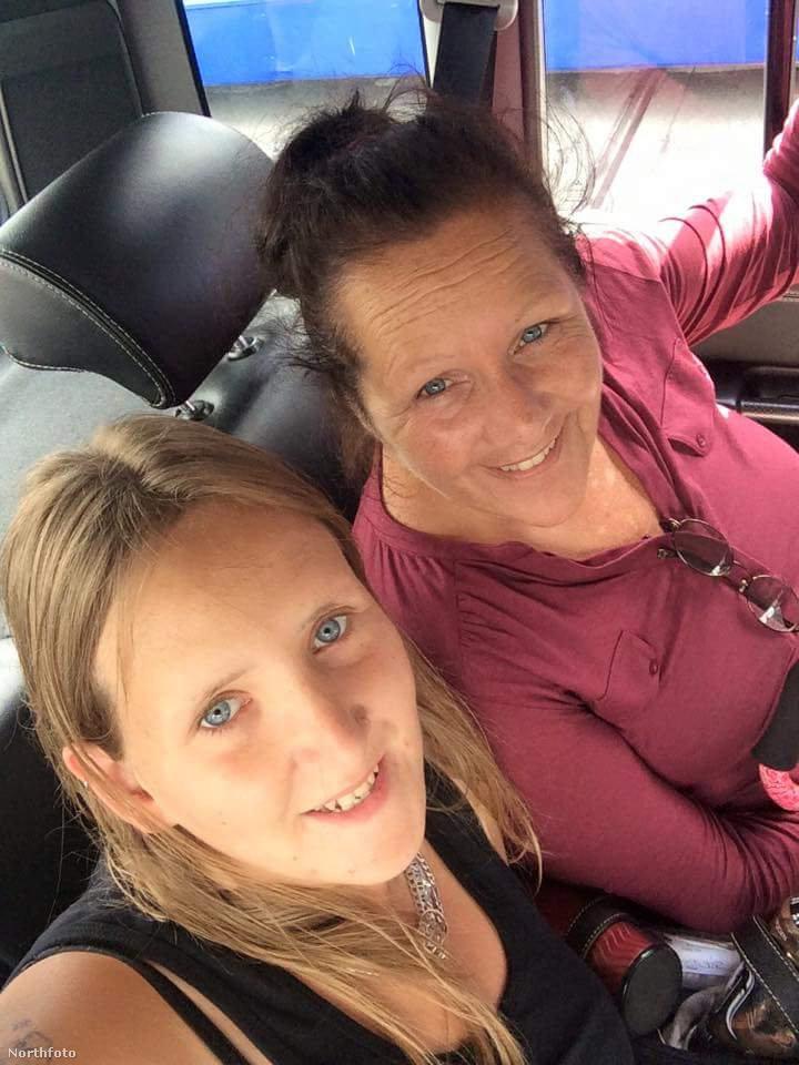 Nikki Collingbourne (balra) és Yvonne Caylor