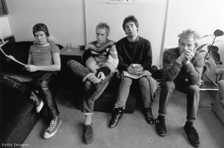 Steve Jones, Johnny Rotten (John Lydon) Glen Matlock és Paul Cook