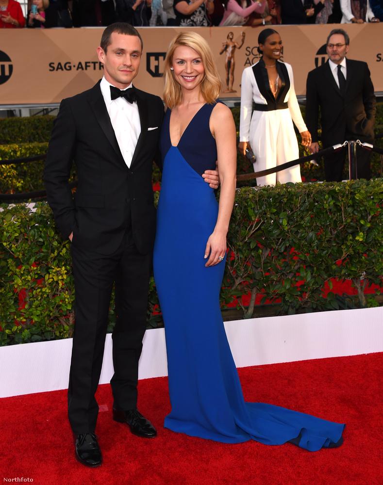 Claire Danes színésznő és férje Hugh Dancy így néznek ki egy vörös szőnyeges eseményen