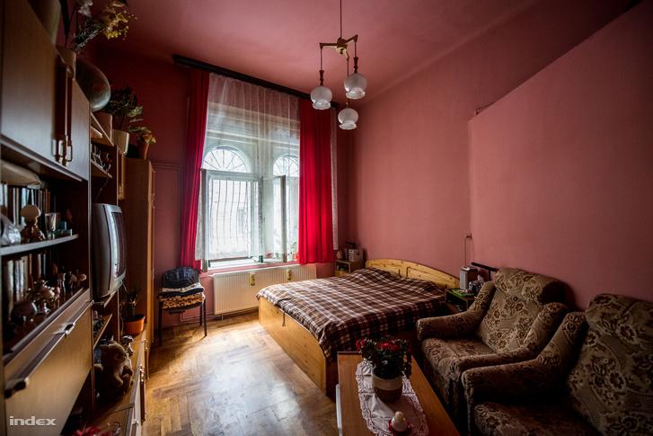 Az archív fotóról jól ismert szoba ma