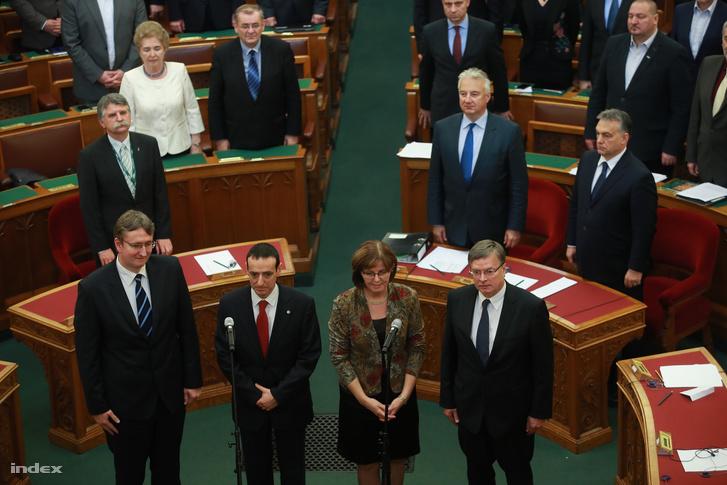 Az új alkotmánybírók eskütétele a Parlamentben, 2016. november 22-én.