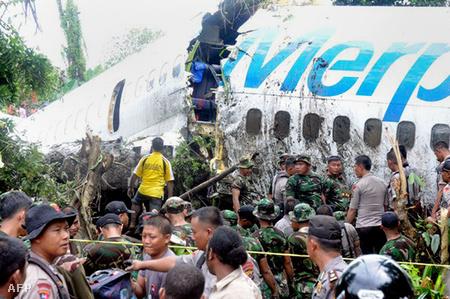 indonézia légiszerencsétlenség 000T TRHkg3469599