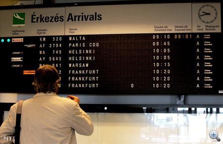 Magyarország, Budapest. Törölt járatok a Ferihegyi repülőtér 2/A terminálján