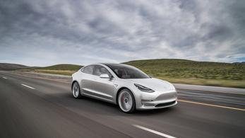 A gyártó csökkentette a Tesla Model 3-asok hatótávját?