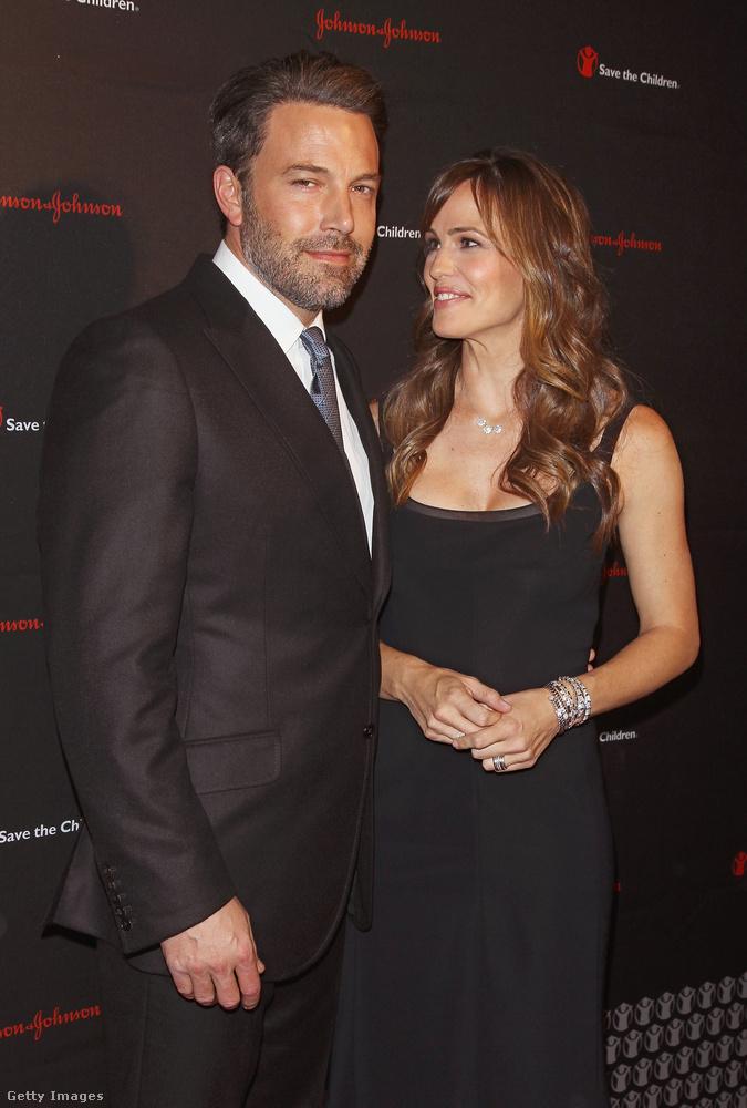 Joggal izgul ön is rendszeresen amiatt, hogy vajon Jennifer Garner és Ben Affleckmikor jön össze megint.Hát, erről sajnos fogalmunk sincs, sőt, élünk a gyanúperrel, hogy tíz évig tartó házasságuk után ők is csak simán barátok maradtak, ami nem volt kőbe vésve Affleck dadusbotránya után.