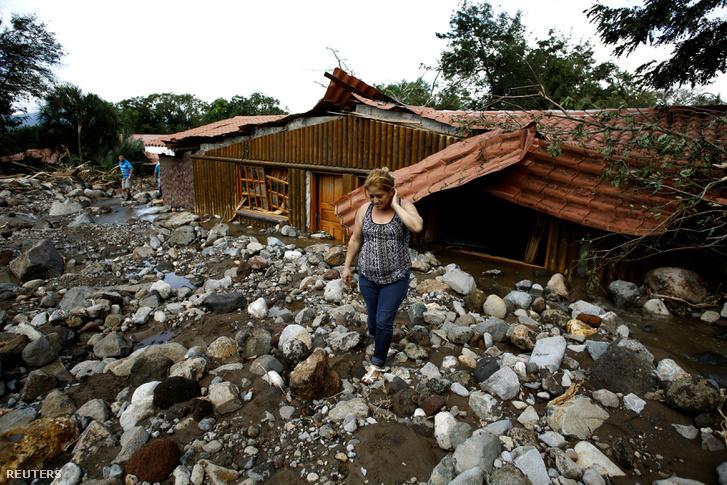 A vihar házakat döntött romba Costa Ricán