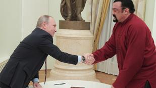 Steven Seagal végre megkapta orosz útlevelét Putyintól