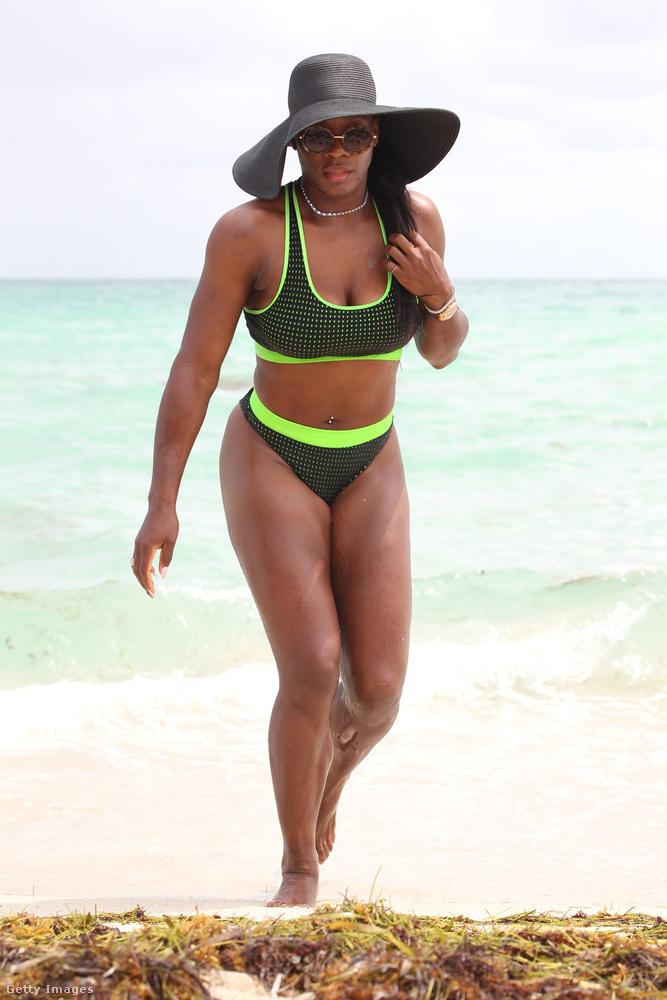 Serena Williams                         teniszezőnő a sportos bikinire esküszik, ha Miamiról van szó.