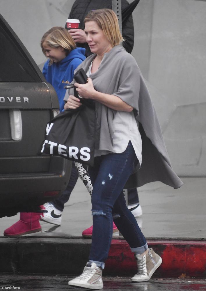 Jennie Garth                         10 éven keresztül ő alakította Kelly Taylor karakterét az előbb említett sorozatban.